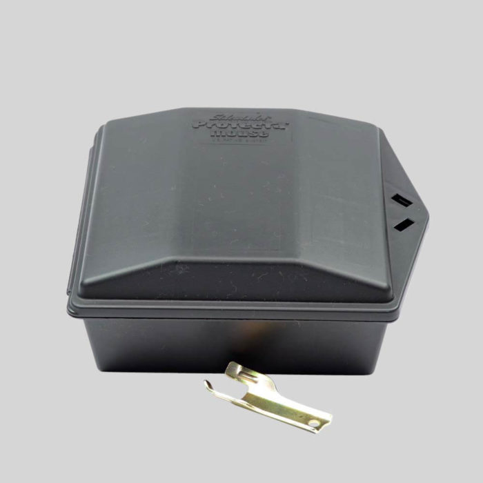 Lockable mouse bait box takes poison and a trap